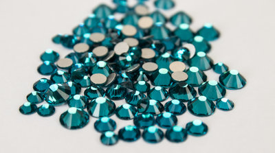 Excellent Austrian non-hotfix steentjes - Blue Zircon (SS5 - SS20)