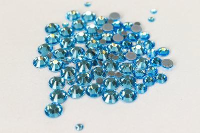 Superior Glamour hotfix steentjes - Aquamarine (SS30)
